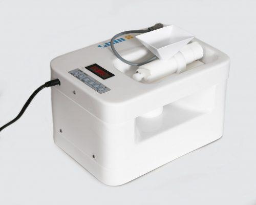 IIRIS-136 is a salt generator for smaller salt rooms